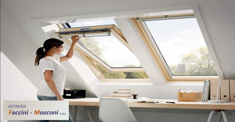 offerta riparazione vetri a domicilio a Verona - occasione realizzazione vetrine e teche Verona