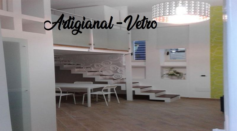 ARTIGIANAL-VETRO offerta scale in vetro - occasione mensoline in vetro Napoli