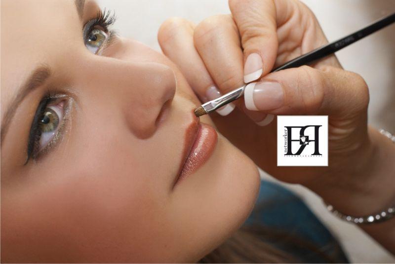 Offerta prodotti cosmetici per estetiste e tatuatori - occasione prodotti per parrucchieri